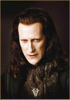 Collider made an interview with Christopher Heyerdahl(Marcus-The Volturi ) ,He talked about playing the ancient Volturi vampire Marcus in the Twilight Saga… Twilight Saga New Moon, Twilight Saga Series, Twilight Breaking Dawn, Breaking Dawn Part 2, Twilight Movie, Fan Fiction, Vampires, Christopher Heyerdahl, Interview With The Vampire