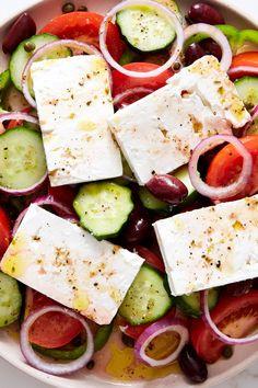Traditional Greek Salad, Vegetarian Main Course, Butternut Squash Pasta, Greek Salad Recipes, Picnic Foods, Picnic Recipes, How To Make Salad, Feta, Favorite Recipes