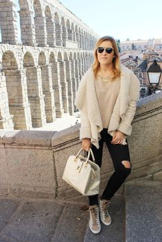 #blogger #girl #style #cape #fall #2015 #streetstyle #autumn #fall #cozy #look