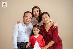 Professional Image, Professional Photography, Family Portraits, Family Photos, Indoor Family Photography, Smiley Happy, Kids Laughing, Her Smile, Portrait Photo