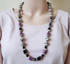 Purple+and+Black+Paper+Bead+Necklace+by+PapyrusBeadsandCraft+on+Etsy