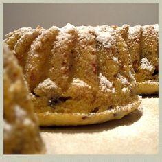 Kleiner Schoko-Mandel-Gugelhupf #recipeontheblock #realfood #yummy #food #foodista #foodie #foodsnob #essen #follow #kidsfood #loveeating #eating #letseat #recipieoftheday #sweet Quiche, Bread, Cookies, Desserts, Food, Ring Cake, Dessert Ideas, Food Food, Biscuits
