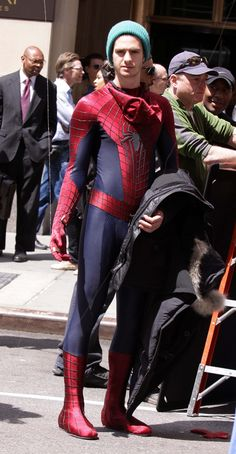 amazing spiderman 2 movie on set photos | ... Swoops In To Help Jamie Foxx In AMAZING SPIDER-MAN 2 Set Video & Pics