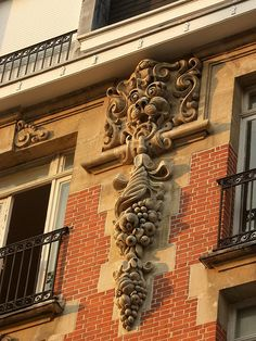 Building Details on a Residential Flat ~ Lille, France Classical Architecture, Amazing Architecture, Art And Architecture, Architecture Details, Culture Of France, Architectural Features, City Art, French Doors, Exterior Design