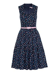 Playful design meets vintage flare with this Orion Spot Dress. It is fitted with a retro neckline, a slim pink waist belt, and a flared pleated skirt to create a look which wouldn't look out of place in the 1970s. Pretty Outfits, Pretty Dresses, Beautiful Dresses, Different Dress Styles, Dress Outfits, Fashion Dresses, Retro, Dresses Australia, Review Fashion