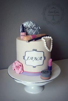 #schminkzeug #mekaup #cake #torte #косметика #торт #женский #длядевушки