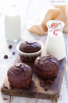 MUFFIN AL CIOCCOLATO, morbidi e perfetti per un peccato di gola*_* #cioccolove #muffin #recipes Friend Recipe, Antipasto, Mojito, Creative Food, Nutella, Cupcakes, Mousse, Muffins, Cooking Recipes
