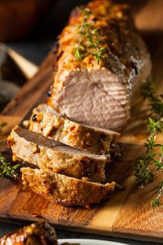 Crispy on the outside, juicy and tender on the inside, and amazing flavors make this the BEST baked pork tenderloin! After you fall in love with this BEST Baked Pork Tenderloin, don't forget to try… Pork Loun, Baked Pork Loin, Pork Tenderloin Recipes, Pork Roast In Oven, Filet Recipes, Roast Recipes, Cooking Recipes, Cooking Bacon, Smoked Pork