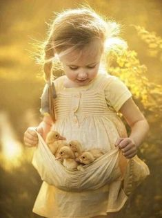 My Selection Of Fairy Tale-Like Photos Of Kids And Animals Animals For Kids, Animals And Pets, Baby Animals, Cute Animals, Animals Photos, Animal Pictures, Kids And Pets, Strange Animals, Tier Fotos