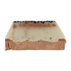 Soap Bar Cleopatra's Secret  Body - Moisturising Soap Bar Kaolin Clay - Sensitive Skin. Deze 100% natuurlijke zeep kenteen milde exfolierende werking door de toevoeging van kaolin klei en gedroogd zeewier. De zeep is gemaakt van 100% natuurlijke ingredienten en een plantaardige basis. In de zeep zit kaolin klei (Cleopatra's geheim) dat absorberend werkt en gifstoffen en oneffenheden uit de huid trekt. Verder is de zeep verrijkt met shea butter en rode klei waardoor de zeep extra verzorgend…