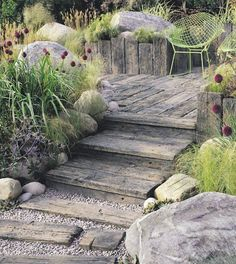 There are lots of affordable backyard landscaping ideas you can look into. For a backyard landscape upgrade, you don't need to spend so much cash to get an outdoor look that is easy and affordable. Small Cottage Garden Ideas, Unique Garden, Garden Cottage, Seaside Garden, Coastal Gardens, Beach Gardens, Beach Theme Garden, Large Backyard Landscaping, Coastal Landscaping