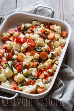 DudeFood Tuesday: (not so) Cool roasted vegetables by Junglefrog Cooking Healthy Vegetable Recipes, Vegetable Dishes, Roasted Vegetables, Veggies, Paleo Menu, Healthy Side Dishes, Real Food Recipes, Delicious Recipes, Good Food