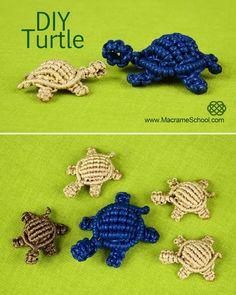 How to: Macramé Turtle, Tortoise, Tortue, Tortuga, Tartaruga Macrame Art, Macrame Projects, Diy Craft Projects, Craft Ideas, Diy Arts And Crafts, Crafts To Make, Turtle Crafts, Micro Macramé, Macrame Patterns