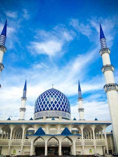 ドームの高さは世界屈指。青く美しいブルーモスク。クアランプール 旅行・観光のおすすめスポット!
