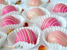 Bomboane Fondante cu Trandafiri2 Fondant, Mini Cupcakes, Sweets, Candy, Food, Bar, Pies, Deserts, Gummi Candy