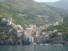 Nave, Monterosso al Mare→Portovenere, Liguria Italia (Luglio) Riomaggiore, Cinque Terre, San Francisco Skyline, River, Places, Outdoor, Italia, Outdoors, Outdoor Games