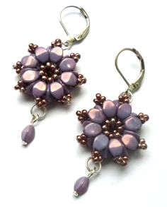 I love these pinch bead earrings.  I used to make the round ones but need to try this design.