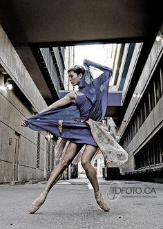 Rachel Meyer - Ballet BC  Photo by Tarzan Dan www.TDFoto.ca