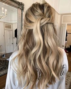 Wedding Hair And Makeup, Hair Makeup, Hair Color Guide, Hair Patterns, Brown Blonde Hair, Wavy Hair, Wedding Hairstyles, Cool Hairstyles, Blonde Highlights