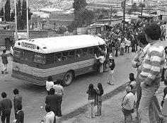 Resultado de imagen para buses de antaño de colombia Buses, Retro, Vehicles, World, Bogota Colombia, Social Science, Antique Photos, Transportation, Souvenirs
