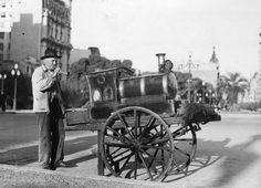 El manisero, Buenos Aires c.1920. Del AGN. Se ve la Plaza del Congreso y al fondo la Av de Mayo.