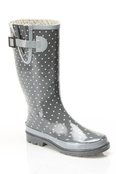 spotted boots! Love the grey and white together