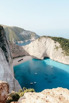 10 Gorgeous Greek Islands You Haven't Heard Of Yet - Travel Den Zaky. 10 Gorgeous Greek Islands You Haven't Heard Of Yet - Travel Den Zakynthos, Greece - 10 Gorgeous Greek Islands Hotel Am Strand, Voyage Europe, Destination Voyage, Beautiful Places To Travel, Romantic Travel, Romantic Vacations, Future Travel, Ultimate Travel, Travel Aesthetic