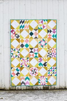 In Color Order: Patchwork Essentials: Interlaced Quilt. Half square triangle sampler setting