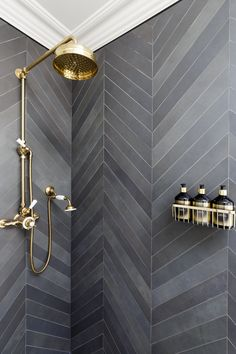 Bathroom shower tile ideas are a lot in choices. Grab some inspirations here and check out these shower tile ideas to revamp your old bathroom shower! Bad Inspiration, Bathroom Inspiration, Bathroom Ideas, Bathroom Organization, Bathroom Storage, Bathroom Cleaning, Budget Bathroom, Bath Ideas, Rental Bathroom