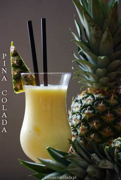 Smoothie Drinks, Smoothies, Cocktail Recipes, Cocktails, Pina Colada, Mojito, Yummy Drinks, Pineapple, Diy And Crafts