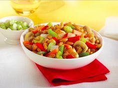 Macaroni chinois #recettesduqc #ArcticGardens #pates Consultez les recettes au http://www.recettes.qc.ca/profils_sante/recettes-rapides-faciles-et-sante-avec-les-legumes-surgeles