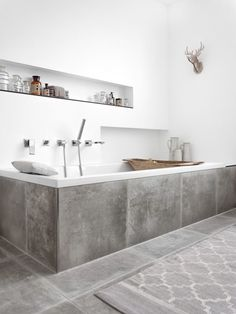 You require a lot of minimalist bathroom ideas. The minimalist bathroom design suggestion has numerous benefits. See the finest collection of bathroom photos. Diy Bathroom, Trendy Bathroom, Minimalist Bathroom Design, Modern Bathtub, Bathroom Interior, Tidy Bathroom, Bathtub Design, Bathrooms Remodel, Bathroom Decor