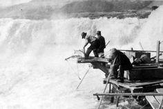 Yakama fishermen, Celilo Falls, Oregon/Washington