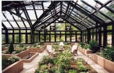 Get inspired ideas for your greenhouse. Build a cold-frame greenhouse. A cold-frame greenhouse is small but effective. Best Greenhouse, Large Greenhouse, Backyard Greenhouse, Greenhouse Plans, Greenhouse Film, Greenhouse Attached To House, Greenhouse Wedding, Greenhouse Vegetables, Homemade Greenhouse