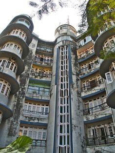 Art deco in Mumbai:   Ram Mahal apartment building, 8 Dinshaw Wachha Road, Churchgate, Mumbai (Bombay). Designed by John Mulvaney, 1939.  http://www.messynessychic.com/