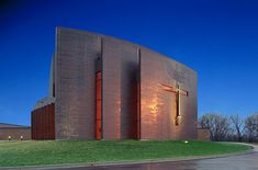 St. Croix Lutheran High School Chapel - Firestone Copper Panels Sacred Architecture, Cultural Architecture, Education Architecture, Church Architecture, Residential Architecture, Amazing Architecture, Architecture Details, Modern Church, Temples