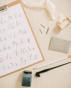 Online modern/live calligraphy class by Parris Chic Boutique- learn calligraphy at home- more details at Parrischic.com || photo by @jessalovelight