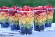 RAINBOW FRUIT CUPS HEALTHY SNACK FOR CHILDREN I made some cute little fruit cups for my daughters preschool class party today and wanted to pass along this idea. I love these fruit cups because they are so lovely in person- my little girls w Healthy School Snacks, Healthy Snacks For Kids, Healthy Recipes, Healthy Breakfasts, Healthy Summer, Tasty Snacks, Protein Snacks, Fruit Recipes, Salad Recipes