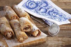 Μπουρεκάκια με μήλα και χαλβά Apple Recipes, Afternoon Tea, Family Meals, Tart, Catering, Bread, Cheese, Cookies, Breakfast