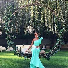 """615 Likes, 3 Comments - Casando Ideias (@_casandoideias) on Instagram: """"Decoração linda! Madrinha linda! Amei a cor do vestido! Quem mais?#noivas2017 #noivasrecife…"""""""