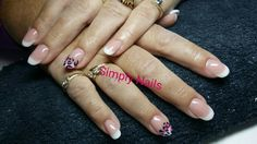 French manicure met nail art