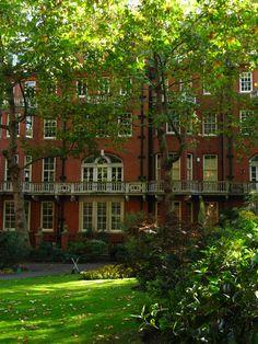 Mount Street Gardens, Westminster, London (by Laura Nolte)