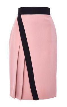 Silk Abstract Lace Wrap Skirt - J. Mendel Resort 2016 - Preorder now on Moda Operandi Más Work Skirts, Cute Skirts, Skirt Outfits, Dress Skirt, Midi Skirt, Lace Wrap, Fashion Mode, Work Attire, African Dress