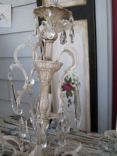 How to spray paint a chandelier - tutorial