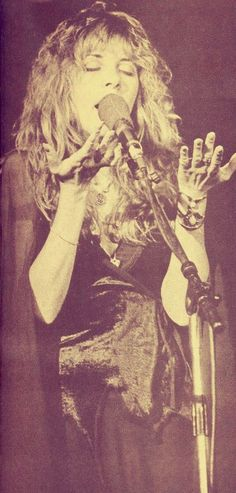 Stevie Nicks - what to say? Music Stuff, My Music, Music Items, Rock Music, Stevie Nicks Fleetwood Mac, Stevie Nicks Witch, Buckingham Nicks, Stephanie Lynn, Look Vintage