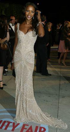 Naomi Campbell ~ Beautiful Dress !!