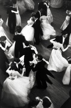 Henri Cartier-Bresson. Queen Charlotte's Ball, London, 1959.