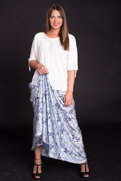 nos encantan las faldas largas, ocultan pero insinuan..¡¡
