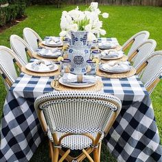 Blue and white table! #blueandwhite #tablescape #luncheon #dinnerparty