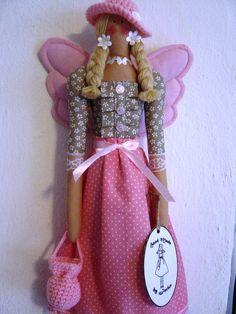 Anjelka v ružovom klobúčiku